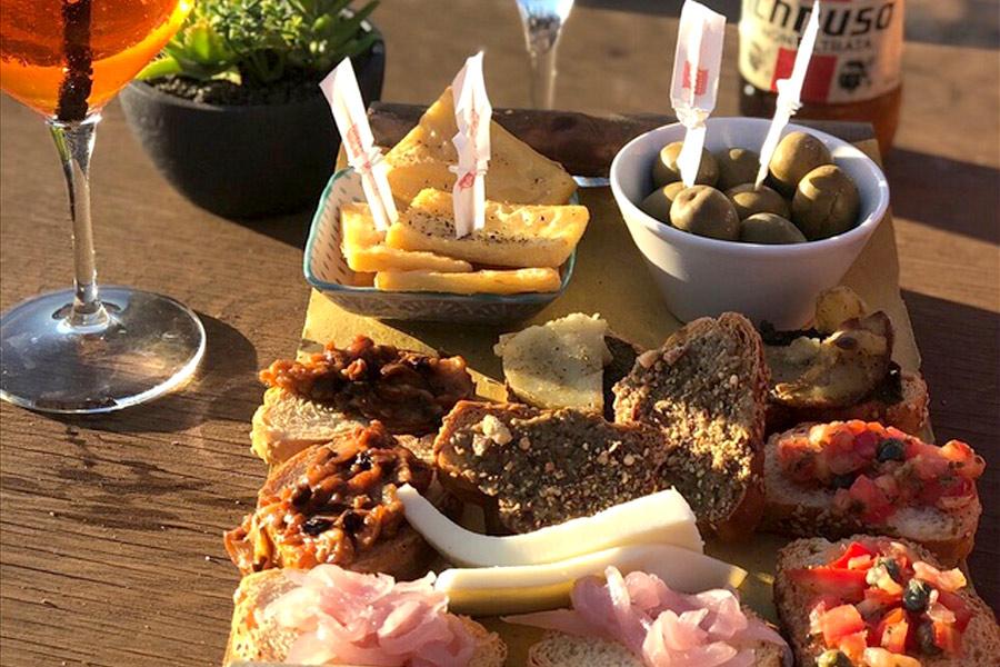 snack-bar-happy-hour-aperitivo-in-spiaggia-al-mare-favignana